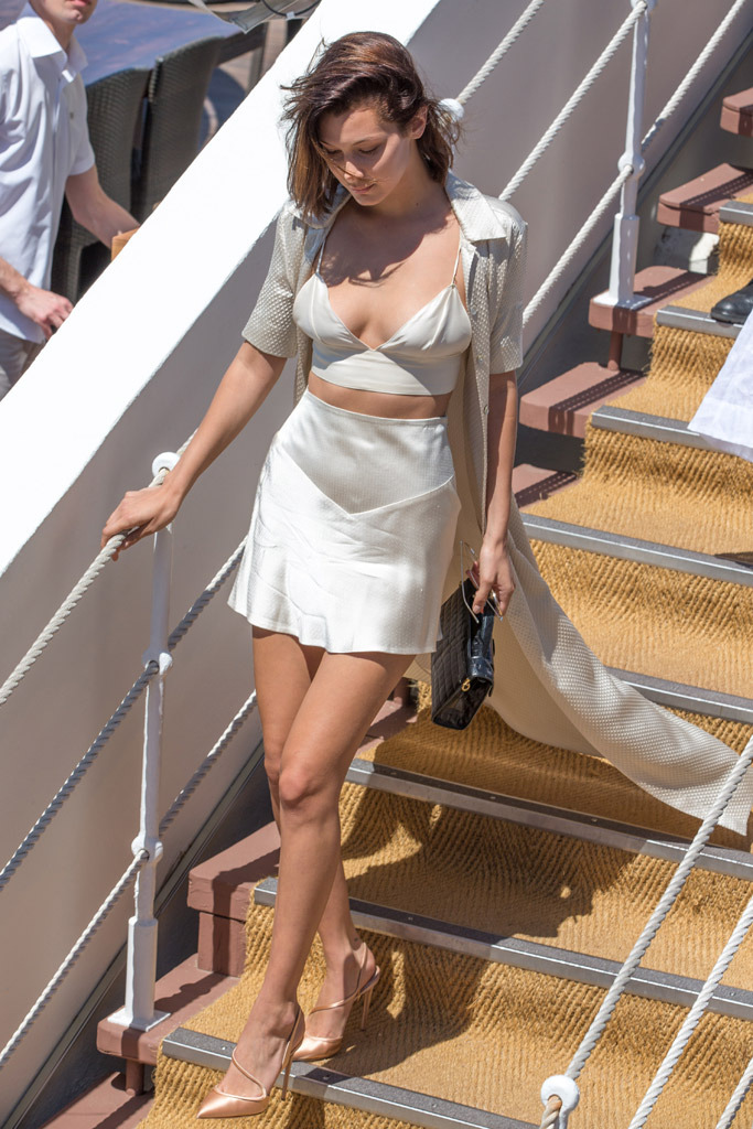 4hailey-baldwin-bella-hadid-cannes-film-festival.jpg