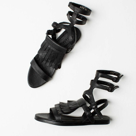 Fly-gladiator-sandals_375dollari.jpg