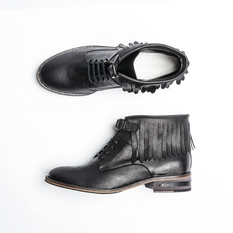 STONE_LACEUP_BOOT_WITH_FRINGE_dollari_575.jpg