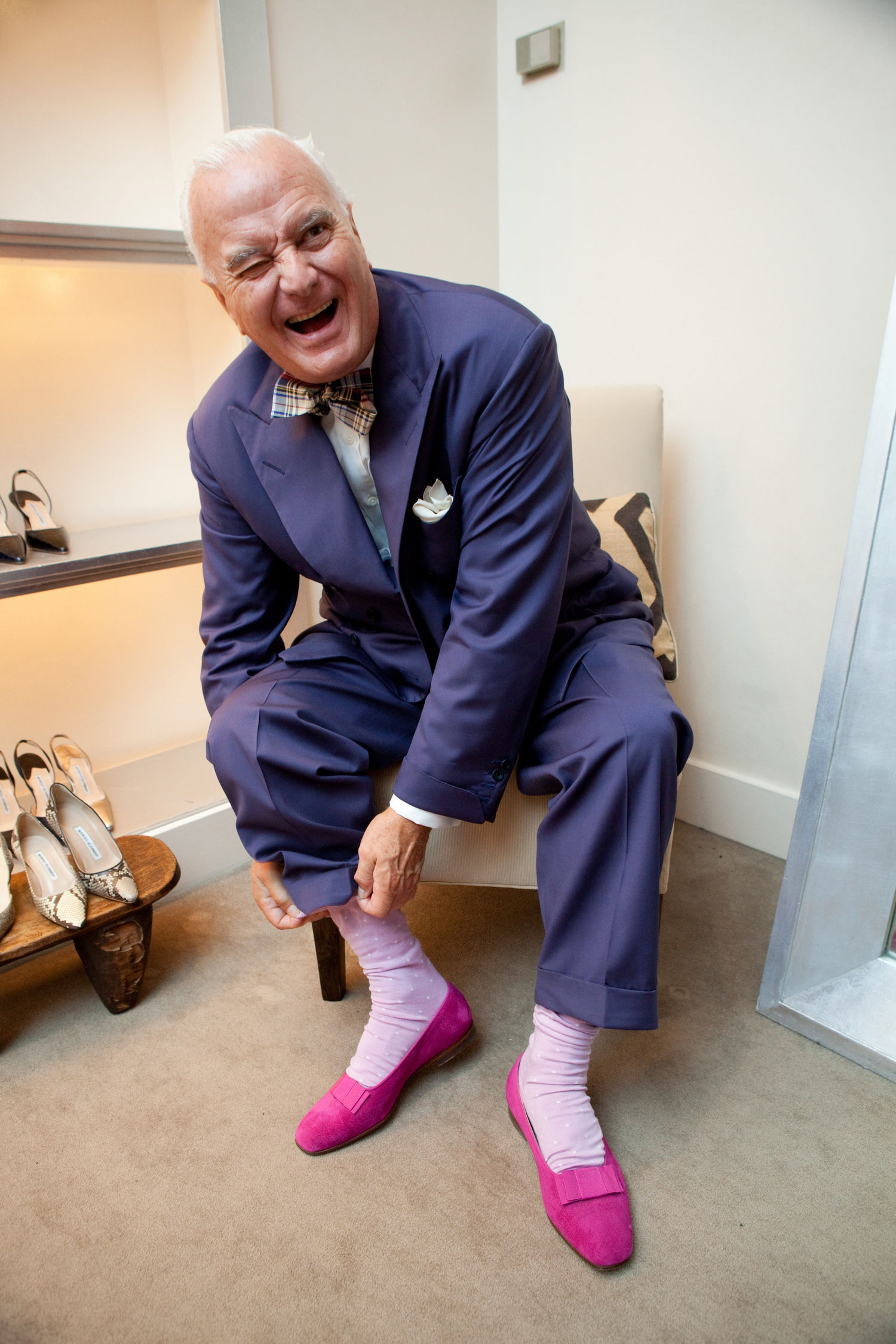 Manolo blahnik non c niente di pi indispensabile del for Who is manolo blahnik