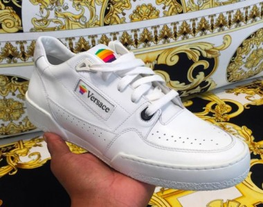Versace e Apple: remake di una sneakers anni '90