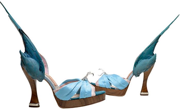Scarpe: piacere e dolore. Un viaggio fra le calzature più estreme