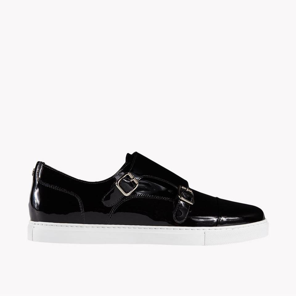 Tux Sneaker 430 €
