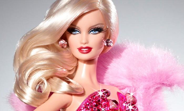 Niente più tacchi: Barbie scende coi piedi per terra