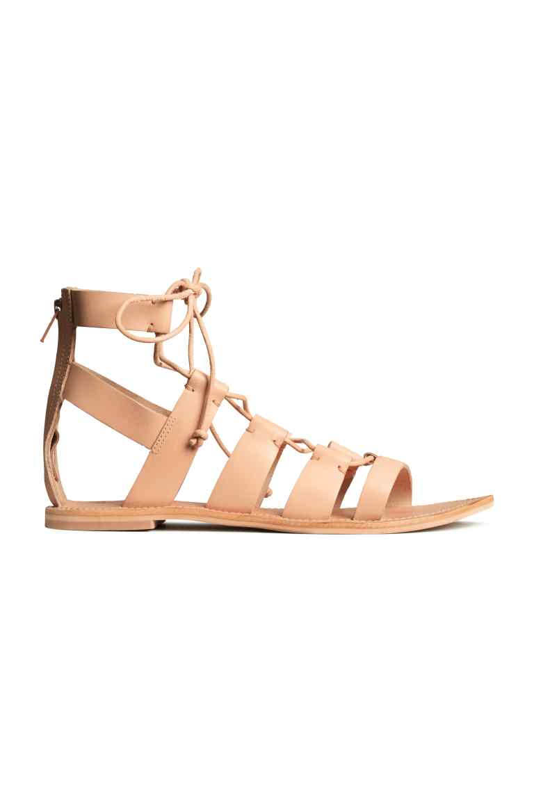 Sandali in pelle, 39,99 euro