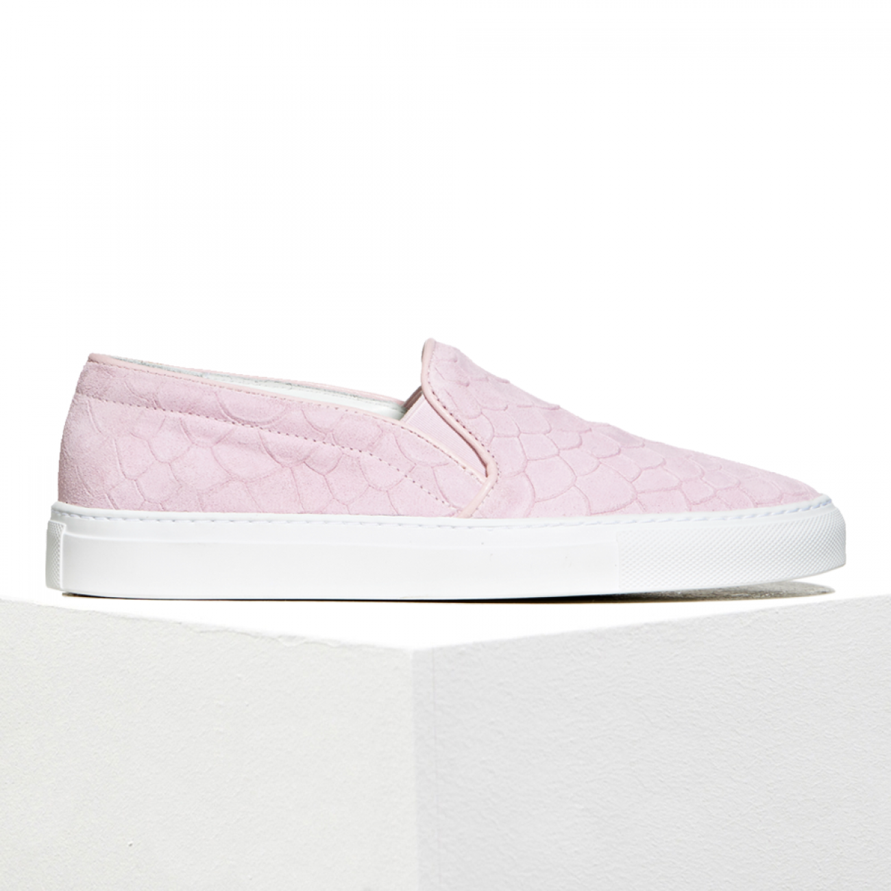 slip-on_soft_pinkScarpeMagazine_AxelArigato-15