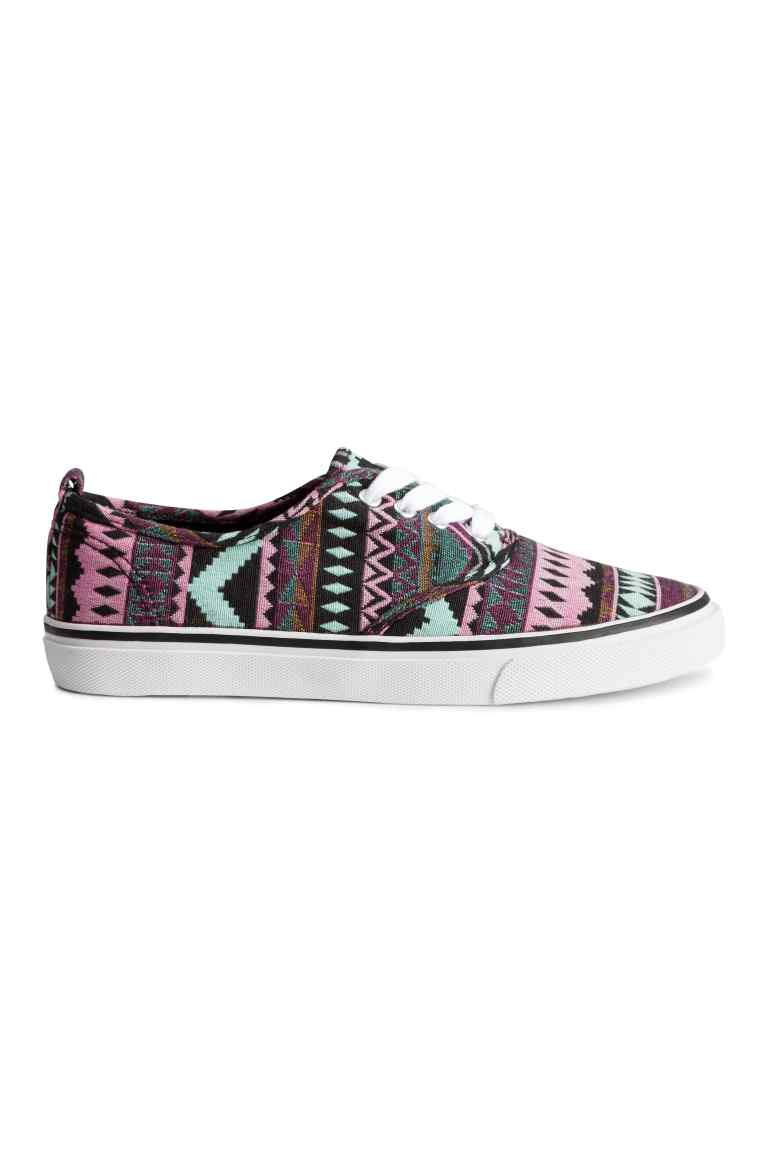 Sneaker, 14,99 euro