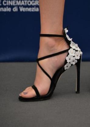Le scarpe di Elizabeth Banks