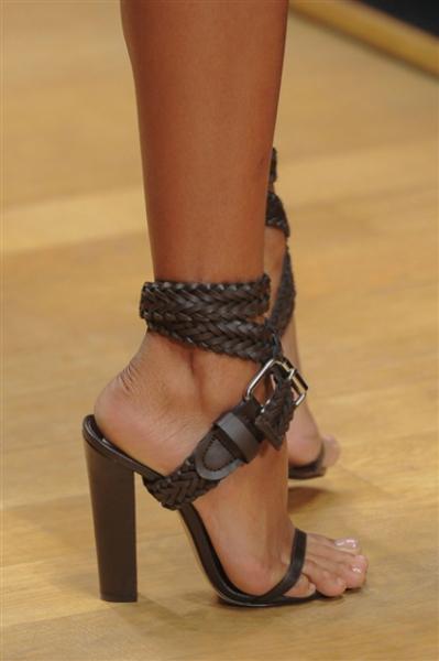 Guy-Laroche-scarpe magazine