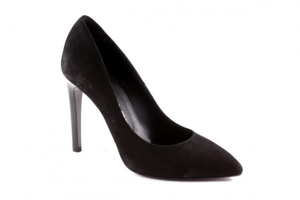 decolletes-nere-in-camoscio. scarpe magazine scarpemagazine jpg