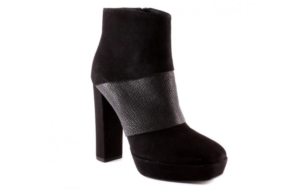 stivaletti-con-tacco scarpe magazine scarpemagazine-alto-in-camoscio-nero-giancarlo-paoli