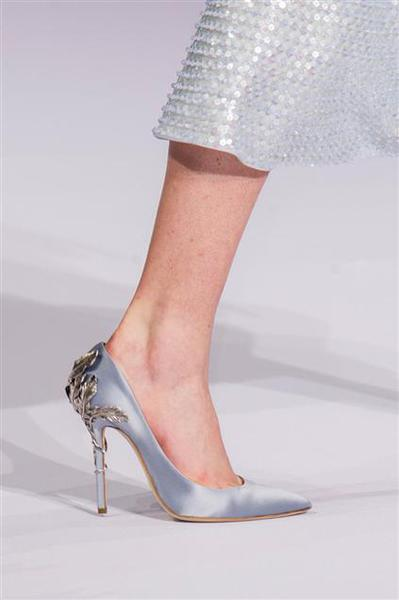 by Ralph e Russo