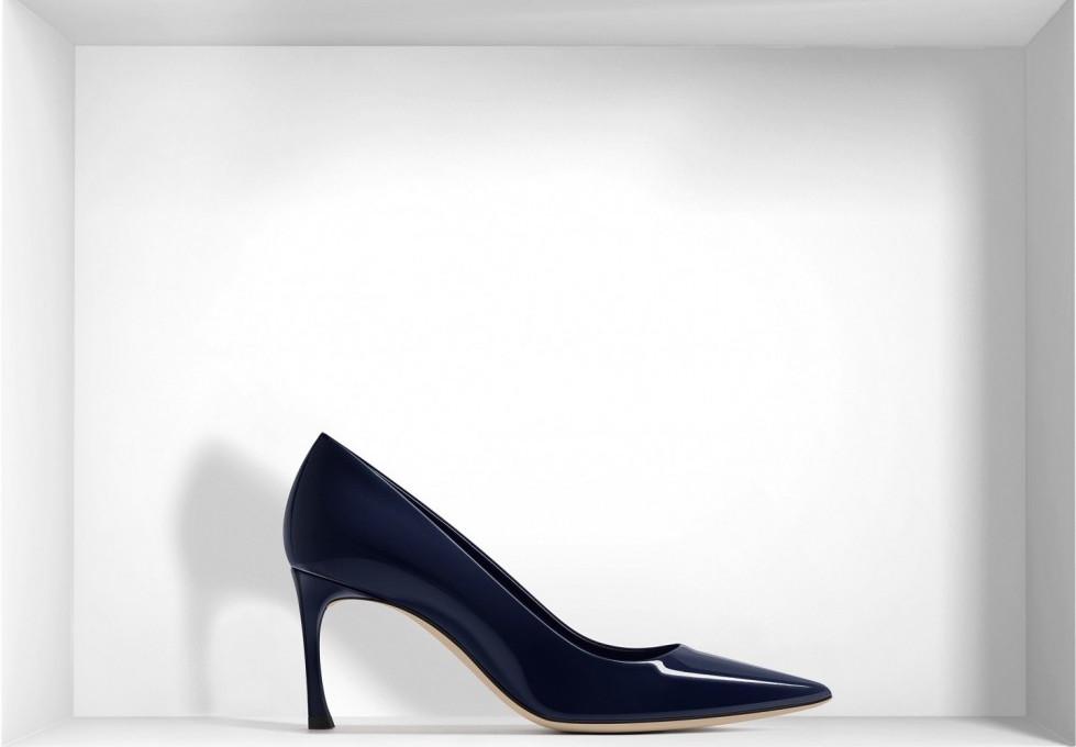 decolletes-a-punta-in-vernice-blu-navy scarpe magazine