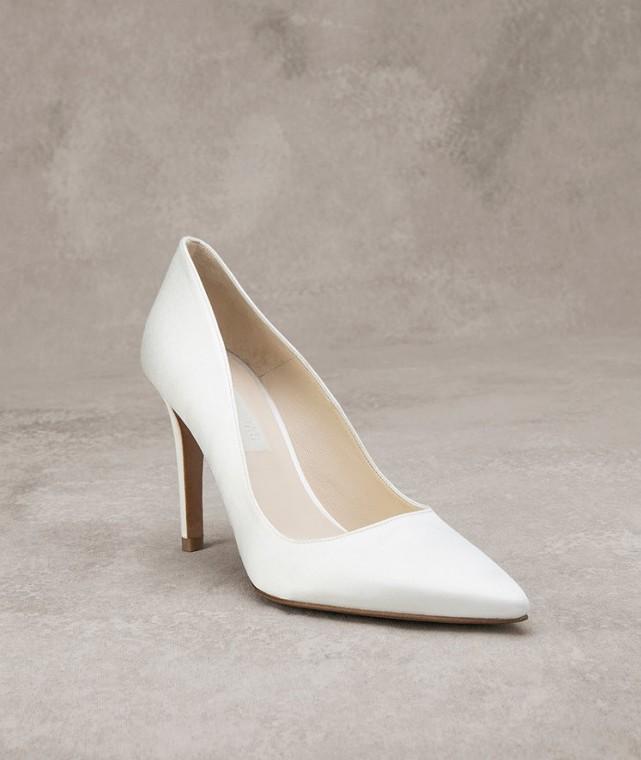 decolletes-bianche-a-punta scarpemagazine