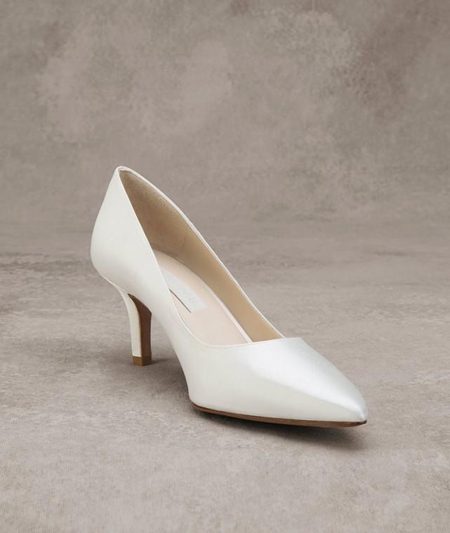decolletes-bianche-lucide-pronovias scarpemagazine