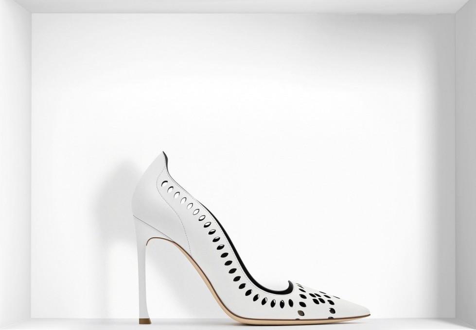 decolletes-traforate-bianche-con-tacco-alto scarpe magazine