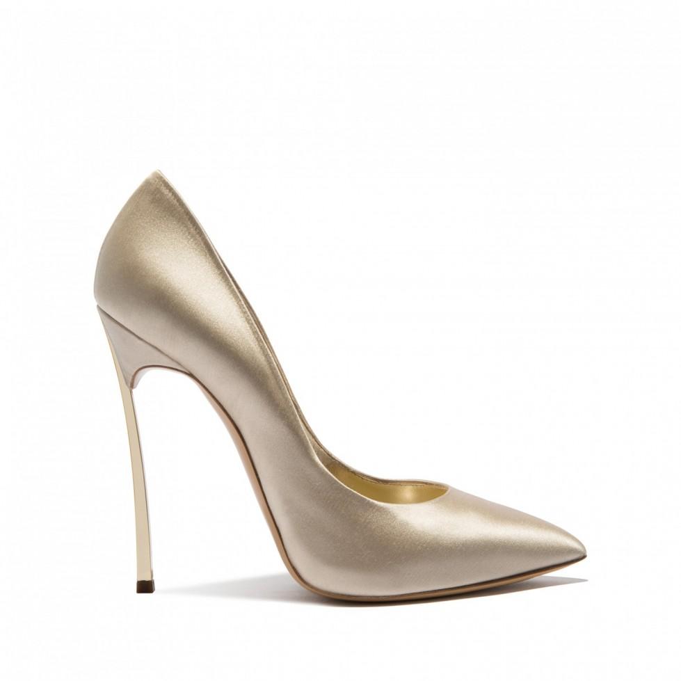 decolletes-a-punta-stretta-champagne scarpe magazine