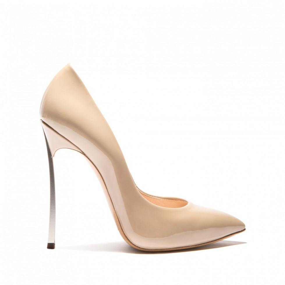 decolletes-nude-di-vernice-casadei scarpe magazine