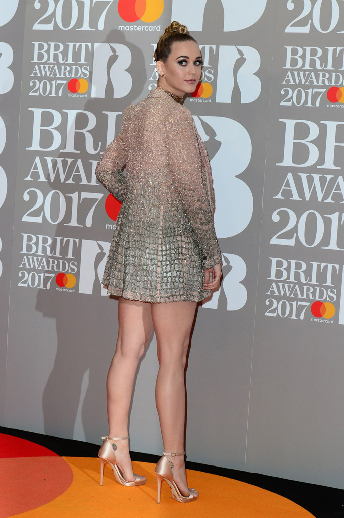 brit-awards-2017-red-carpet-katy-perry-1