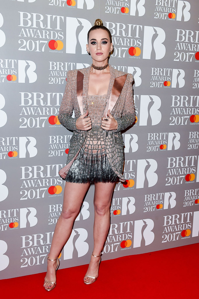 brit-awards-2017-red-carpet-katy-perry-3