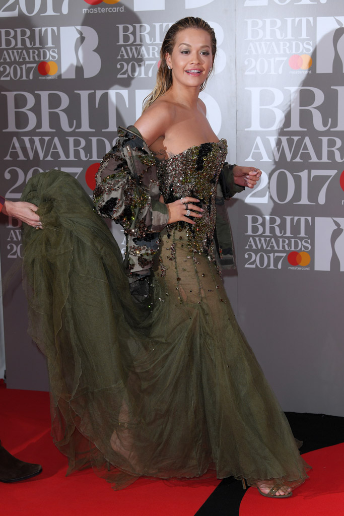 brit-awards-2017-red-carpet-rita-ora-2