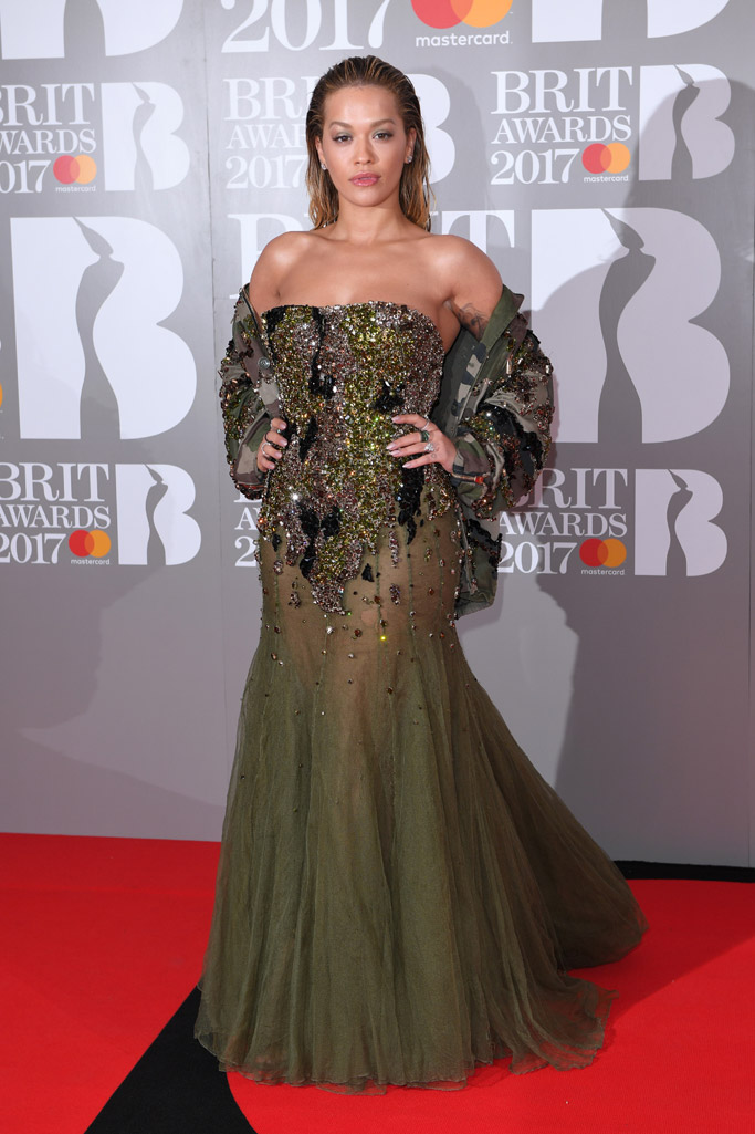 brit-awards-2017-red-carpet-rita-ora