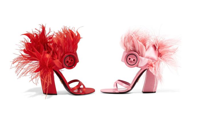Prada: sandali di piume per serate ironiche