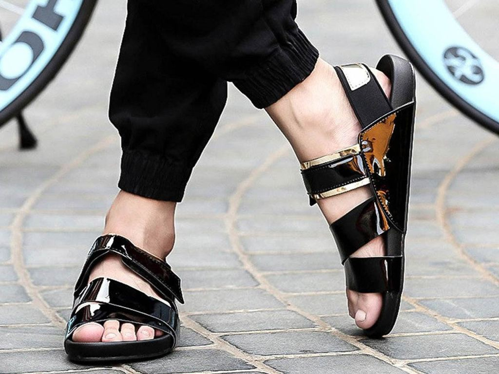 Mens-Sandals-Style-Feature