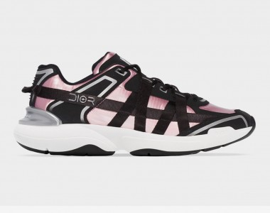 Dior lancia le Black Ribbon Racer Lows con dettagli in rosa elettrico